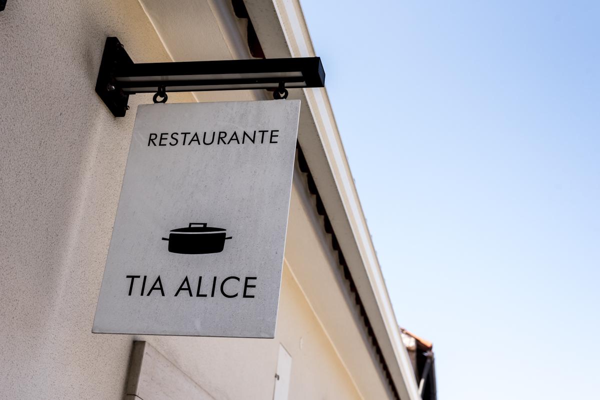 A fachada do restaurante: templo de boa comida
