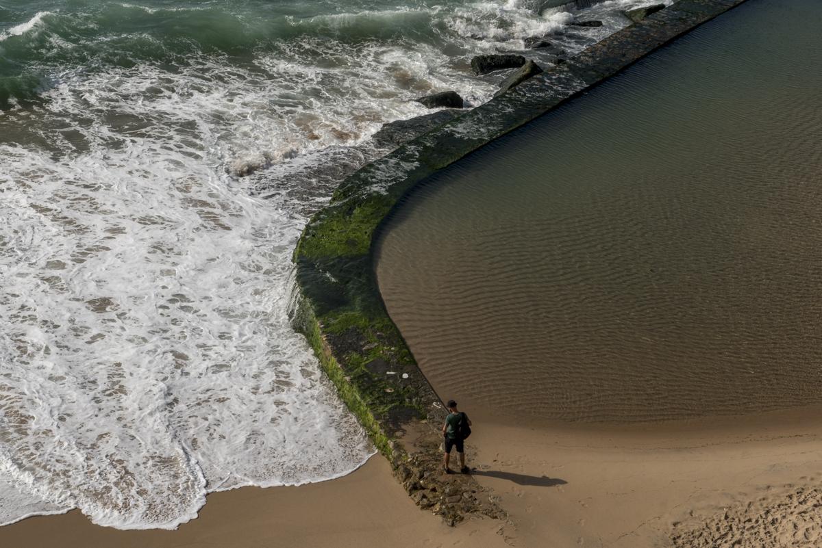 A piscina natural que se forma com a maré alta