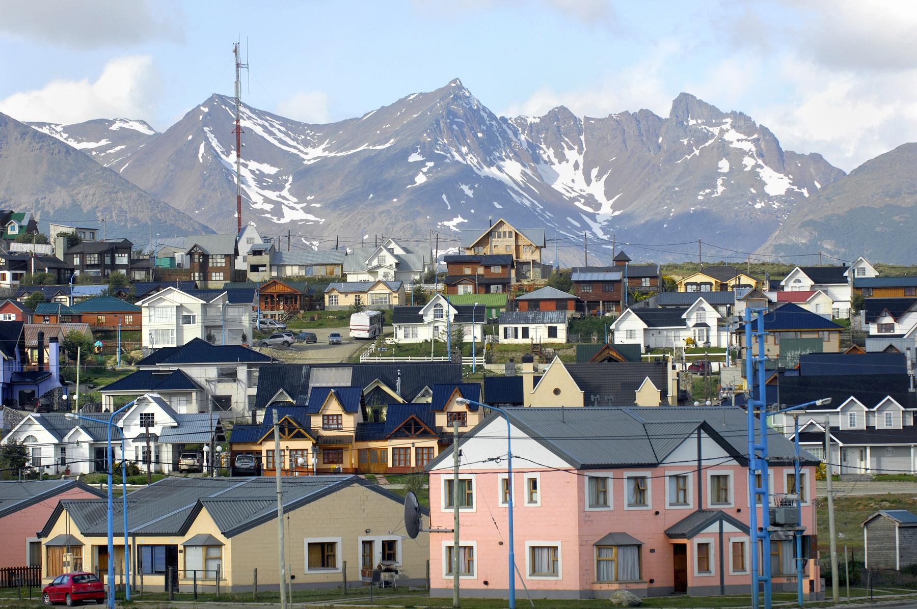 Casas coloridas da cidade de Ushuaia, na Patagônia Argentina.