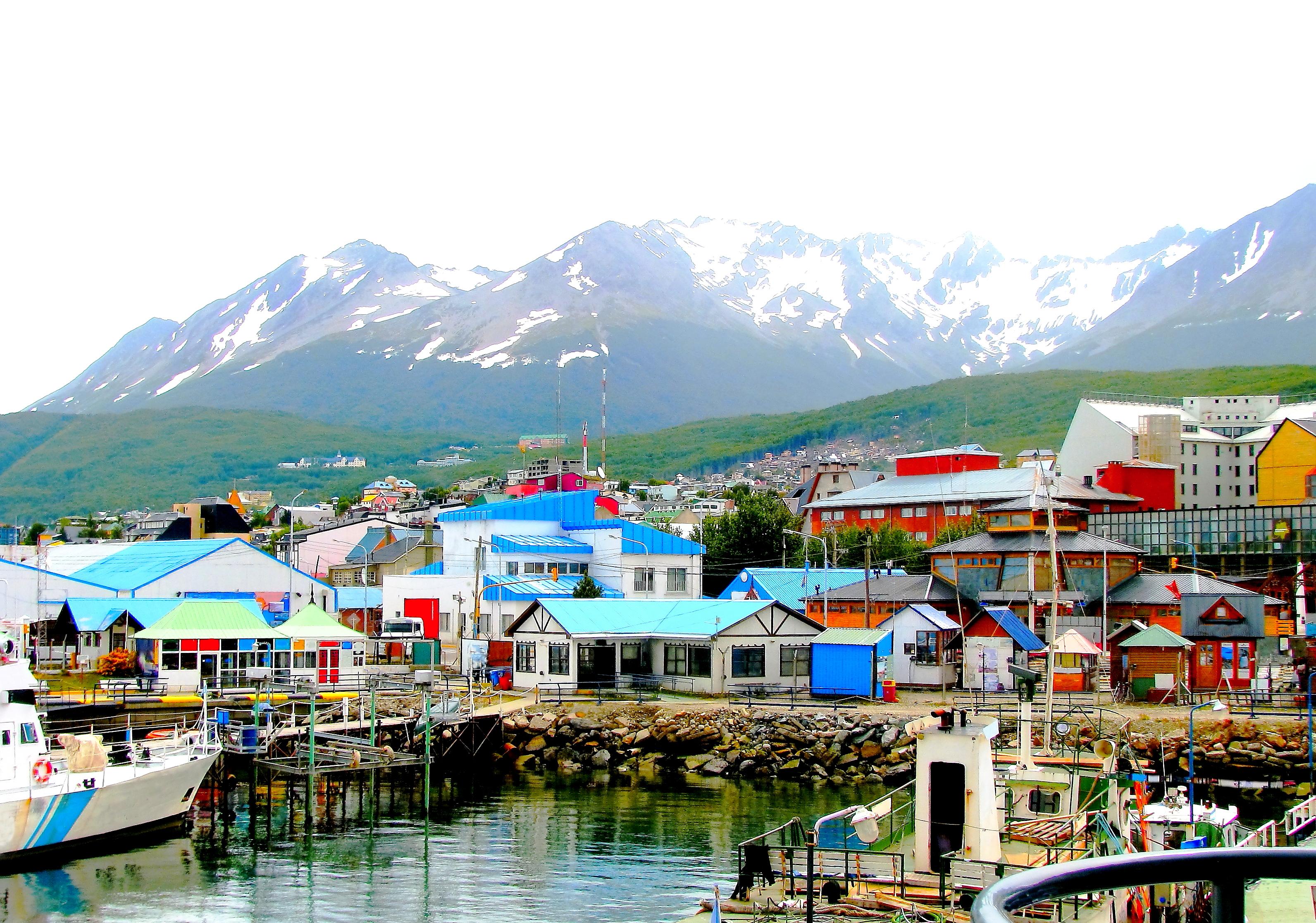 Casas coloridas na cidade de Ushuaia, na Argentina.