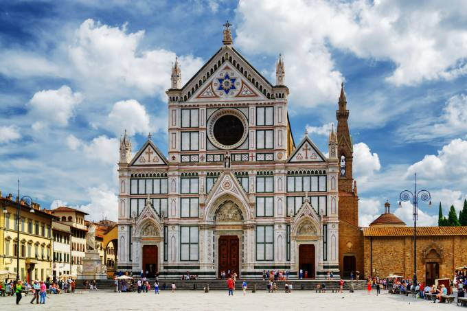 Basílica di Santa Croce, em Florença, Itália, de onde se desprendeu um pedaço do teto e fez uma vítima fatal