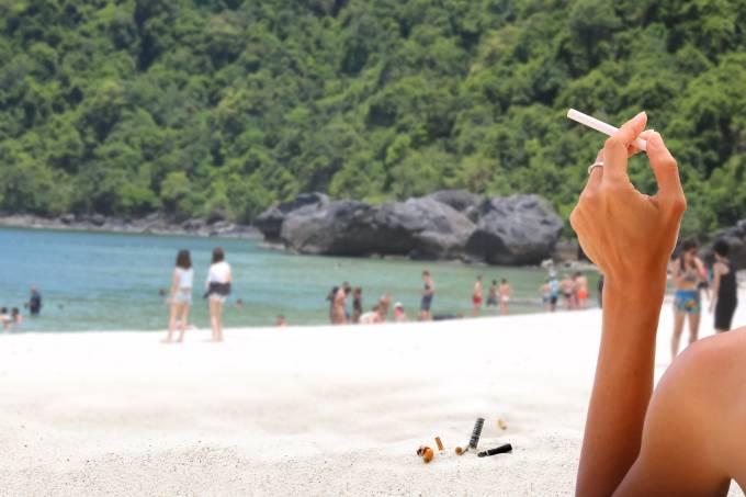 Fumantes praias da tailândia