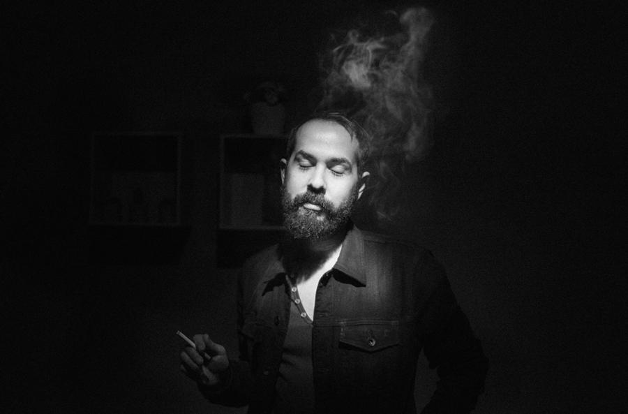 Greg Gonzalez, vocalista do Cigarrets After Sex, uma das cabeças do cartaz