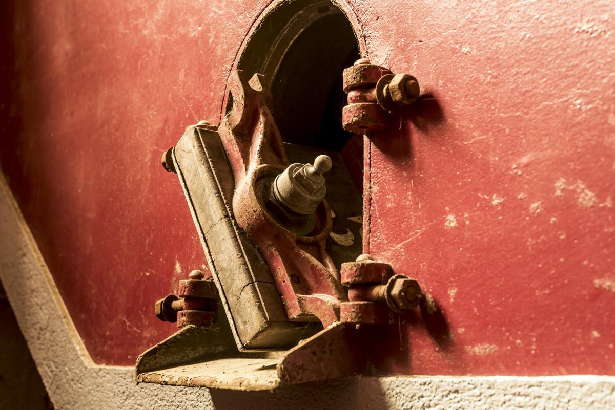 Detalhe de uma das antigas tinas de envelhecimento, em concreto: museu