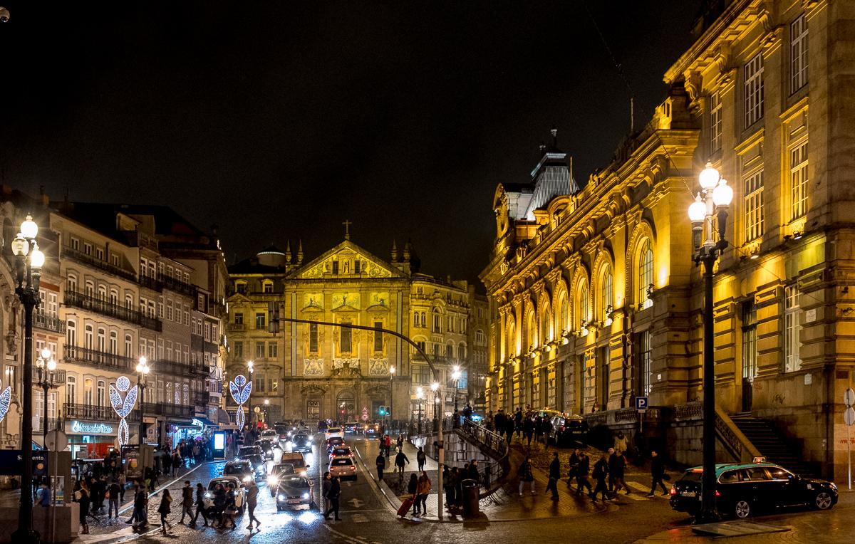 As lindas ruas do Centro à noite: a única vantagem do engarrafamento master é observar tudo da janelinha