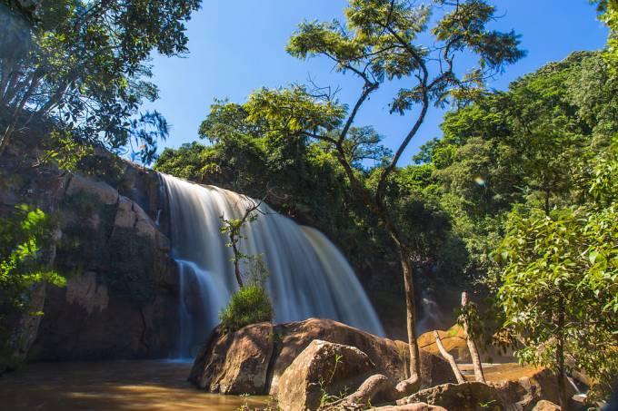 Bueno Brandão – Cachoeira_dos_Machados_I_João Carlos Medau – Wikimedia Commons