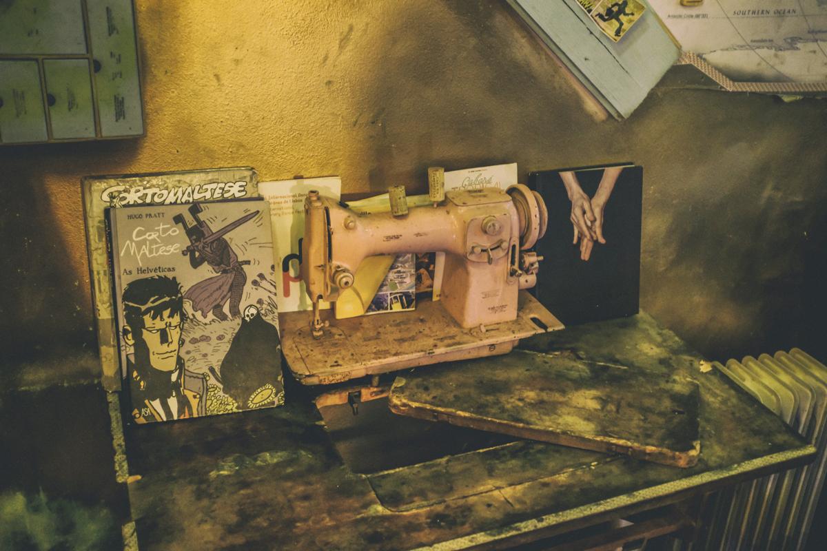 Máquina de costura e quadrinhos: belo garimpo