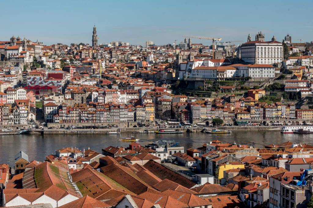 O Porto visto a partir de Gaia: parece um presépio!