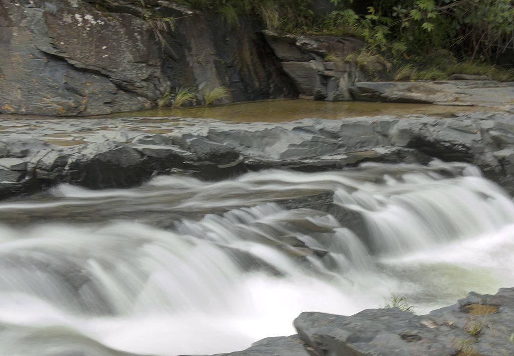 Cachoeira Morada do Sol, em São Jorge: queda pequena com belo mirante