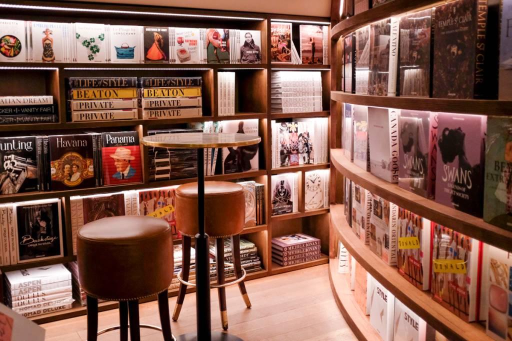 Cantinho da livraria: curadoria sensacional