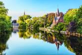 O parque Minnewater, em Bruges, Bélgica