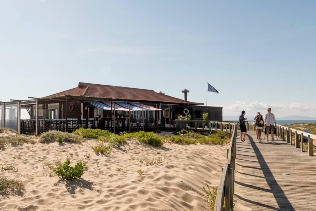 O restaurante Sal, na Praia do Pego: localização estratégica