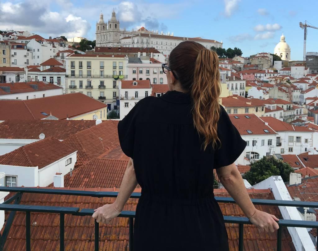 O casario de Alfama a partir do Miradouro das Portas do Sol, em Lisboa: não me canso de admirar