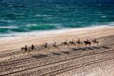 Cavalgada na praia ao pôr do sol: fim de tarde especial