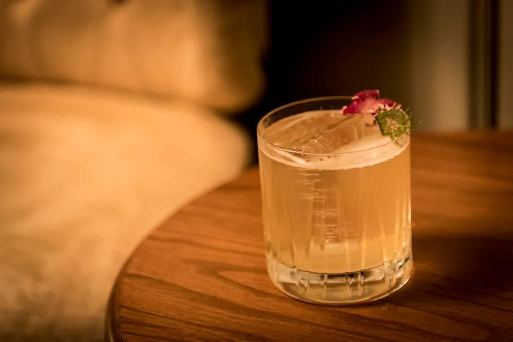 Nasty Silence, uma das novas criações da casa: gin, vermute, urtiga, pepino e patchouli