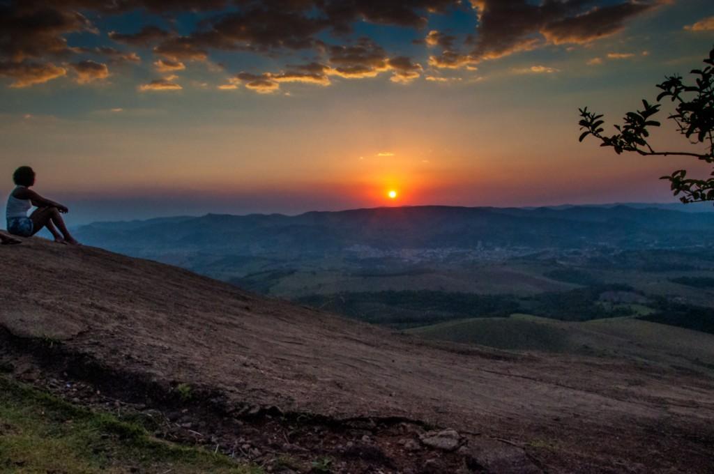 Pôr do sol na Pedra da Bela Vista, em Socorro (SP)