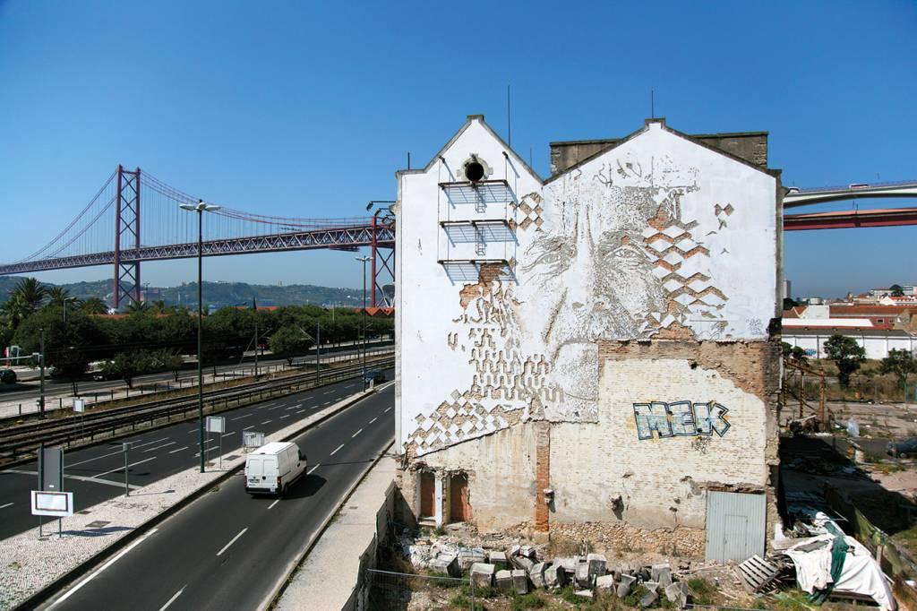O belo visual da ponte enfeitado pelo artista