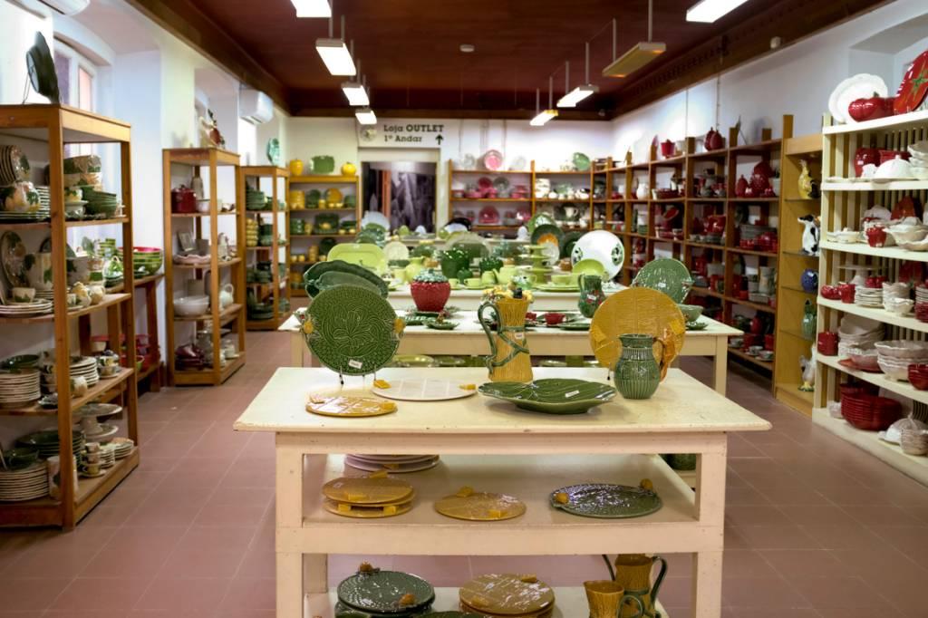O primeiro piso da loja: belo acervo com as coleções