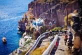 Burros e mulas são importantes meios de transporte em Santorini, mas abusos vêm sendo cometidos