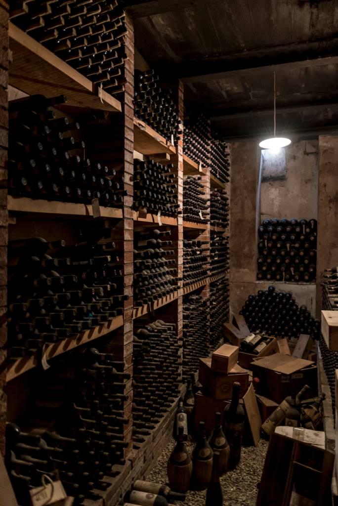 Uma das salas de envelhecimento dos vinhos no Castello di Verrazzano: preciosidades