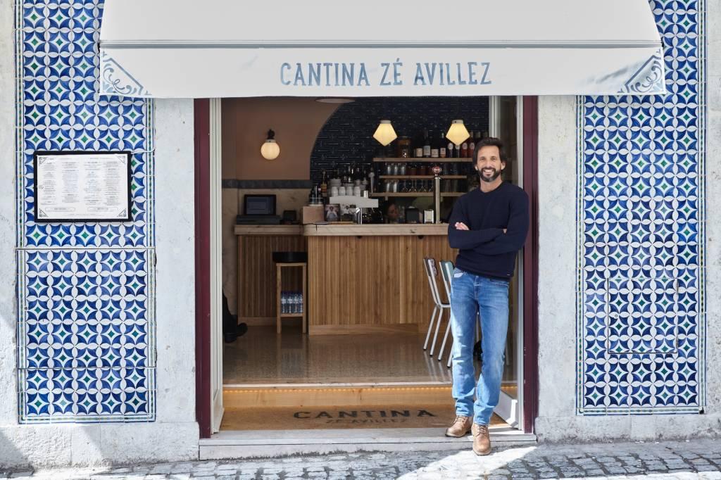 José Avillez na porta da sua Cantina: belo revival de uma antiga zona degradada da cidade