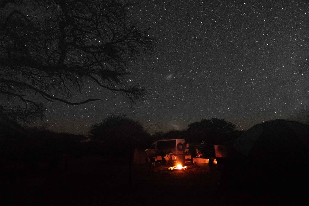 Estrelas e barraca
