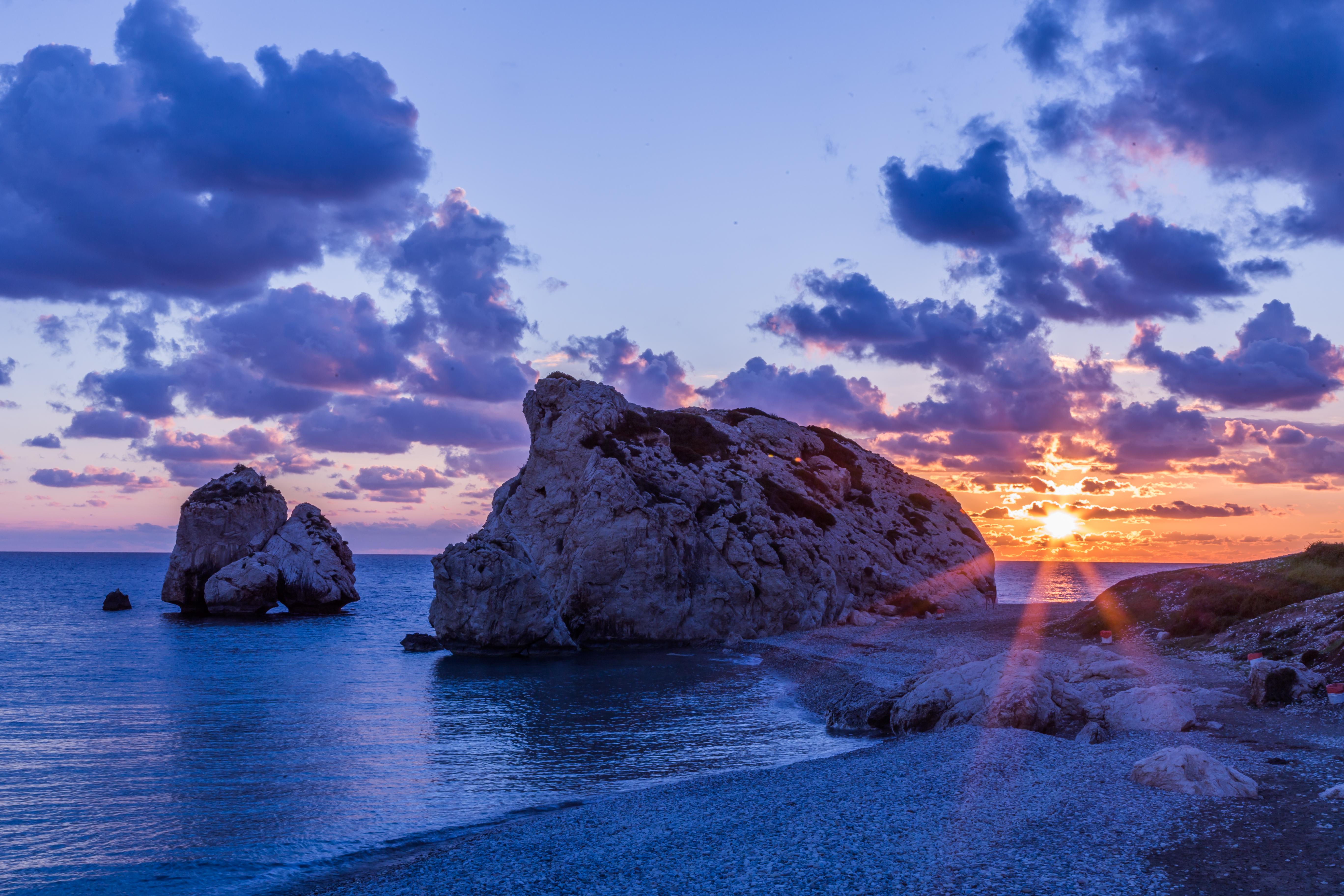 Pôr do Sol na Rocha de Afrodite, no Chipre