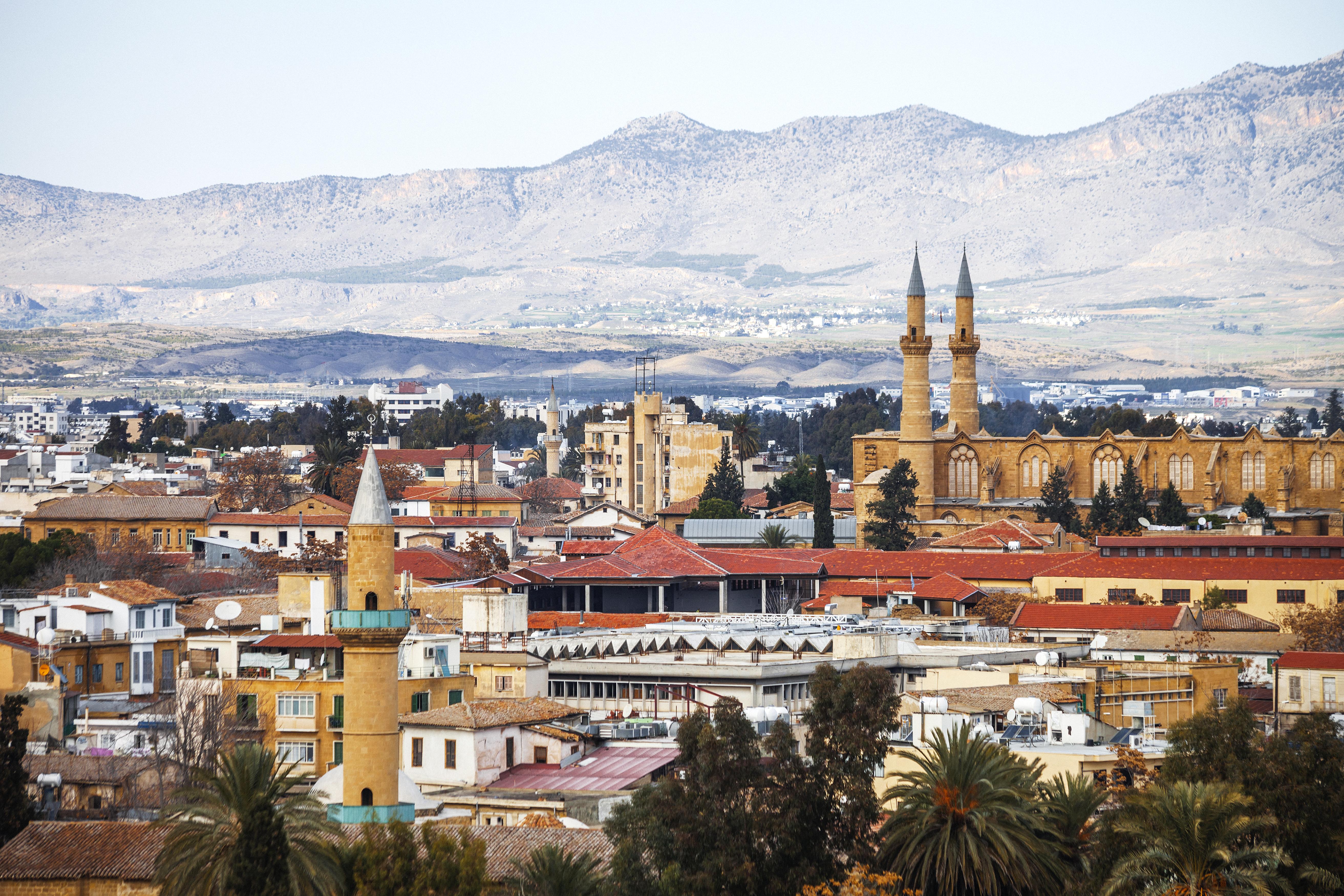 Vista de Nicósia do lado turco do Chipre
