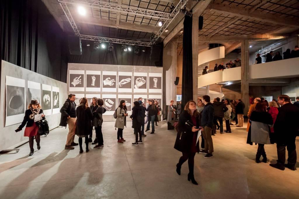 """A exposição """"Jeu de 54 Cartes"""", nas Carpintarias São Lázaro: novo espaço cultural"""
