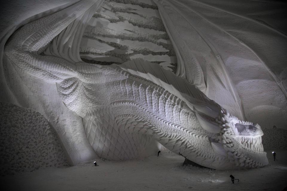Dragão de gelo no Lapland Hotels SnowVillage, hotel temático de Game of Thrones