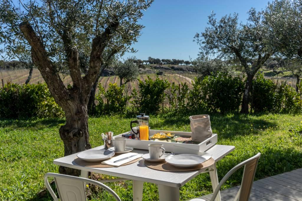 Café da manhã na varanda, quase na hora do almoço: como ir embora?