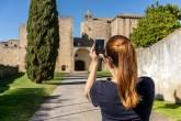 A entrada da Pousada Mosteiro do Crato: sete séculos de história e uma vilinha parada no tempo