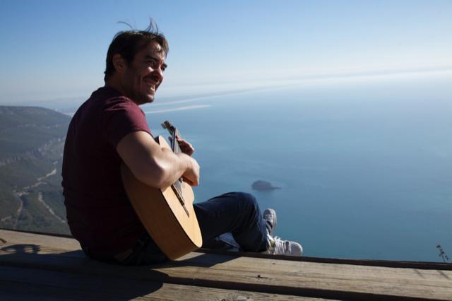 O músico Bena Lobo: paixão por Lisboa e Portugal