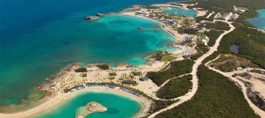 Vista aérea da Great Stirrup Cay, ilha da Norwegian Cruise Line nas Bahamas