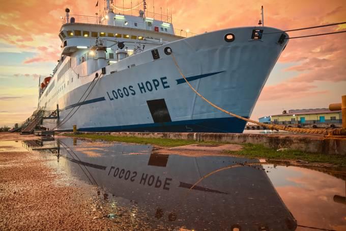 Navio Logos Hope