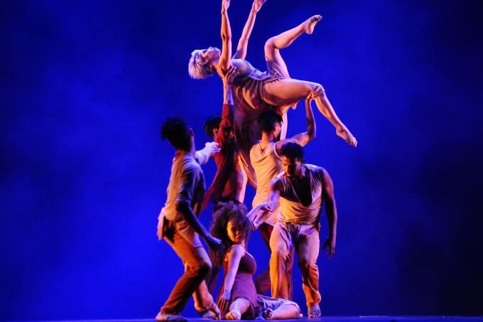 Cia de Dança de Cubatão no Festival de Dança de Joinville 2016