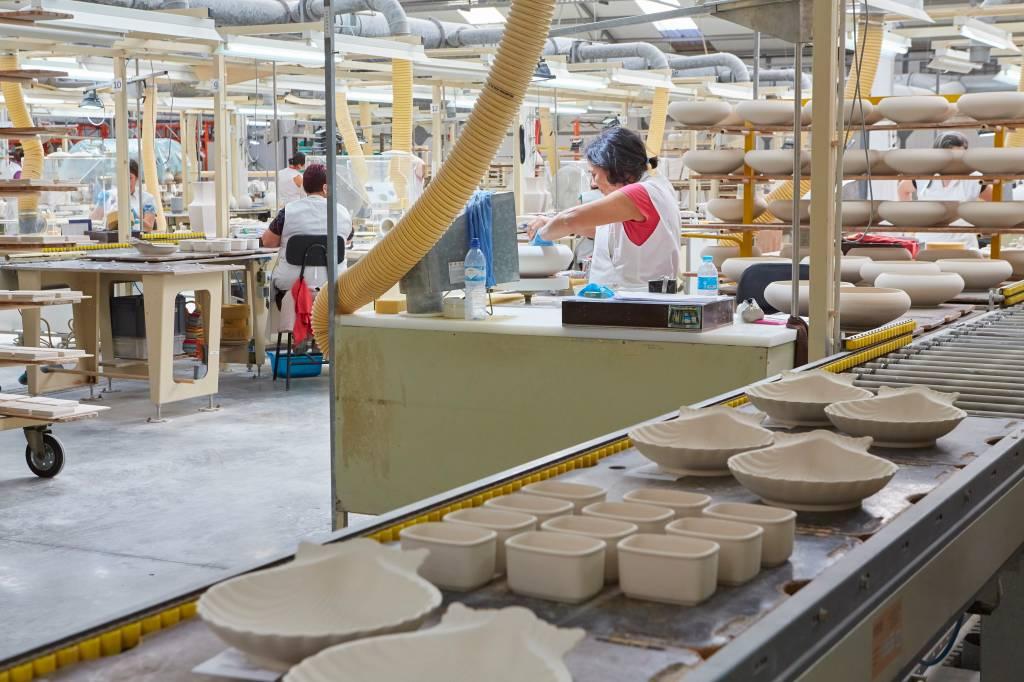 Interior da fábrica de porcelana de Vista Alegre