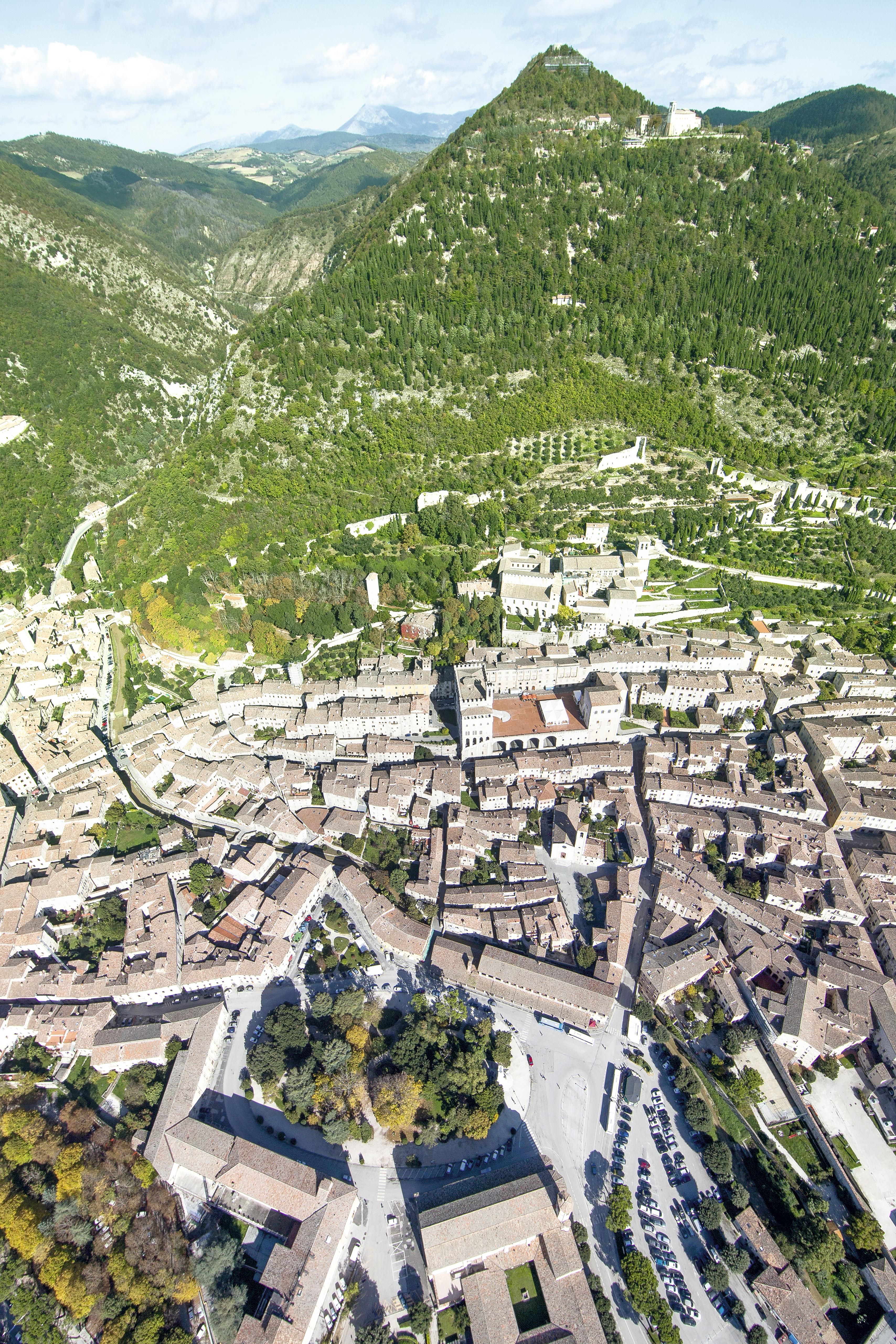 Vista aérea de Gubbio