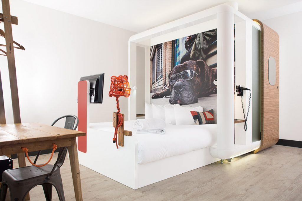 Quarto de hotel do Qbic, Londres, Inglaterra