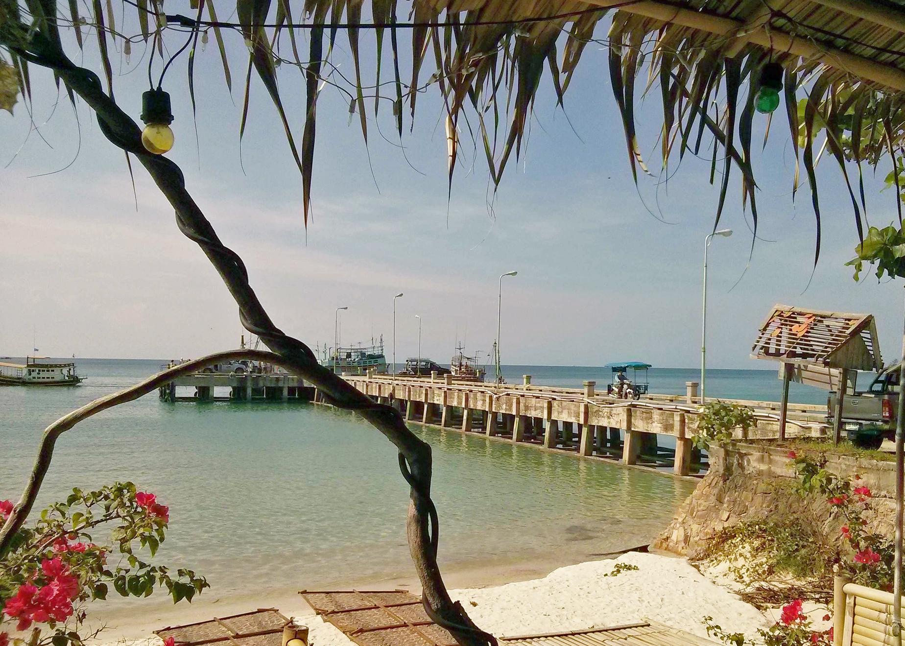Praia Haad Rin, onde acontece, anualmente, a Full Moon Party