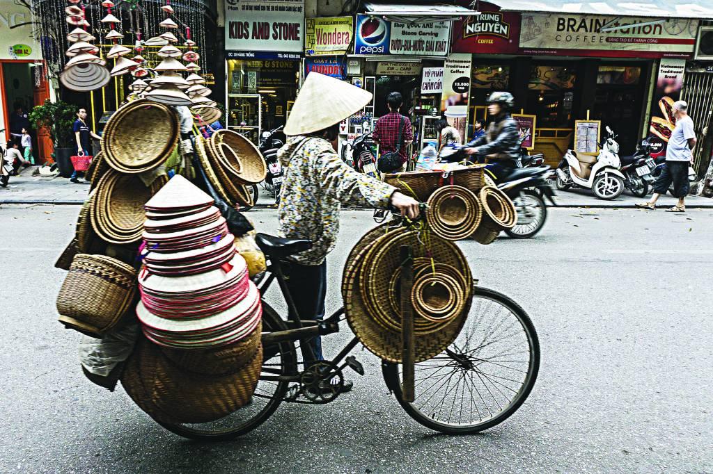 Vendedor ambulante em Hanói