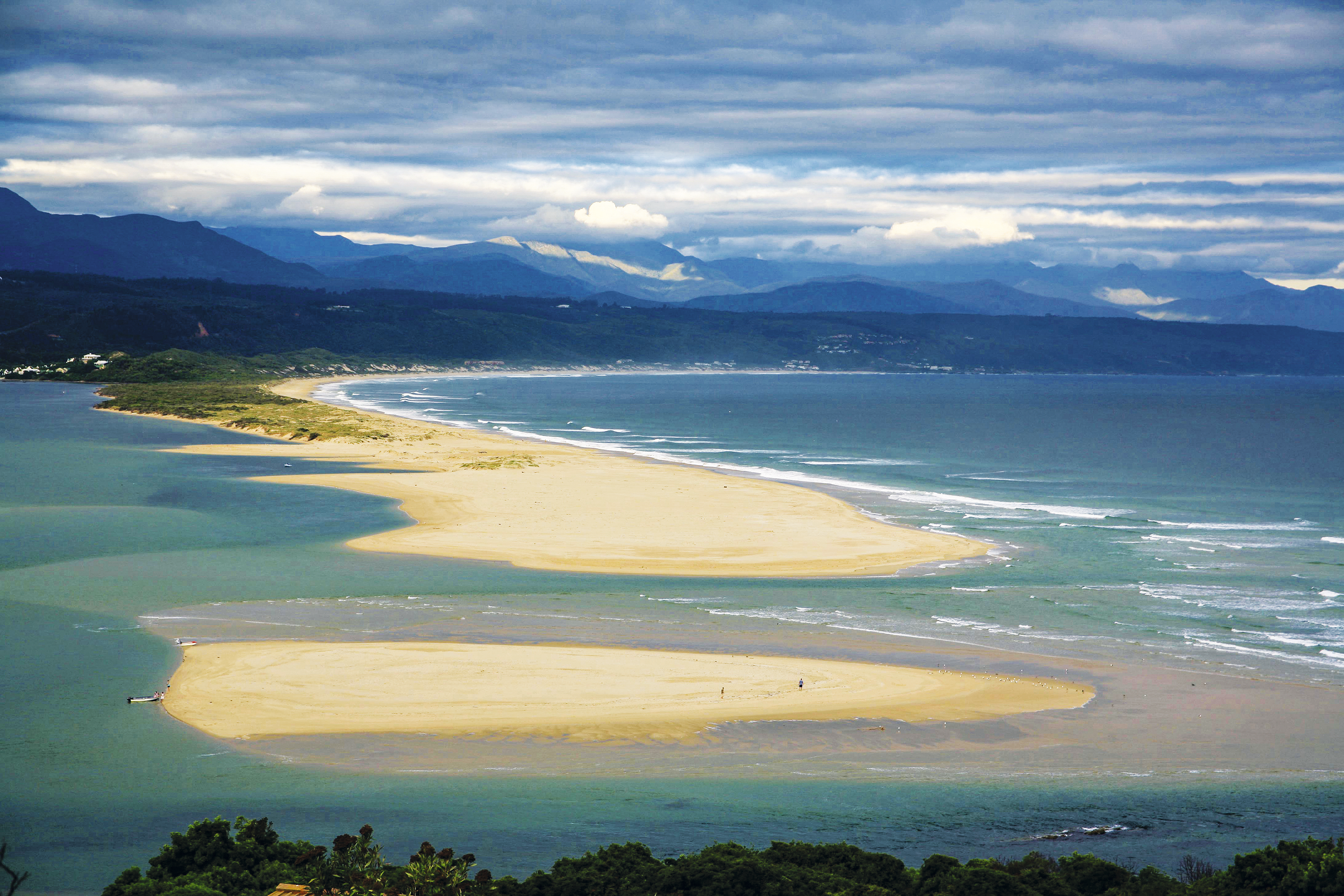 Praia de Keurboomstransd, em Plettenberg Bay, África do Sul