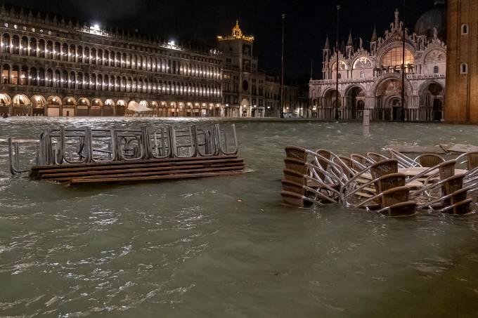 Veneza inundada, Itália