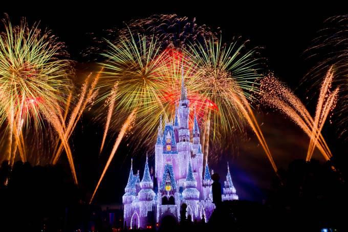 Queima de fogos no Magic Kingdom, na Disney