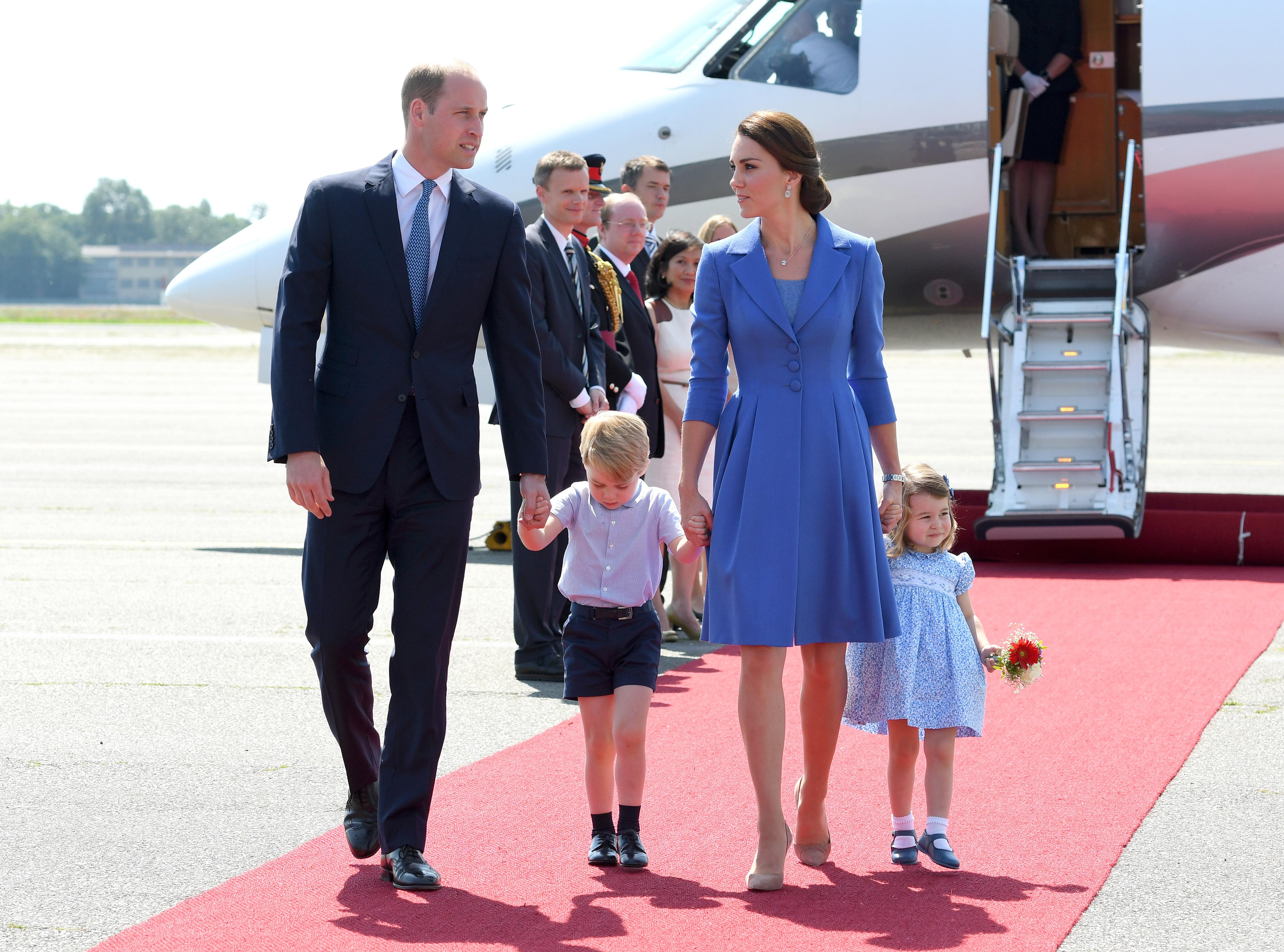 Príncipe William e duquesa Kate Middleton com os filhos