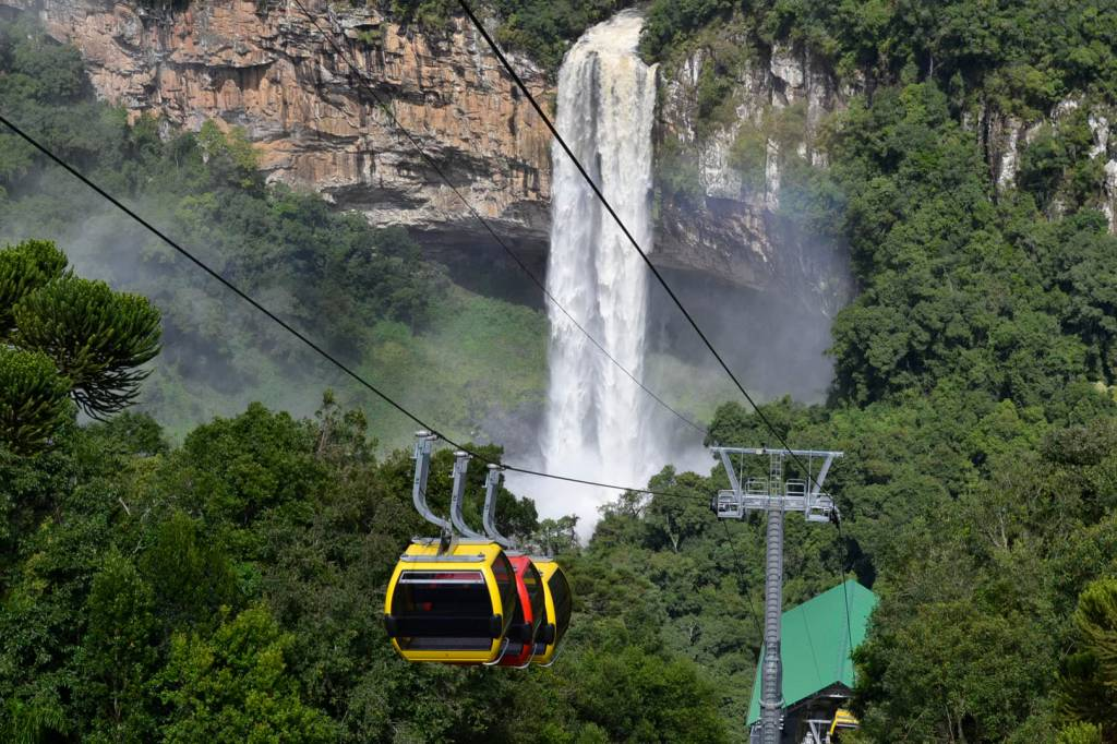Parques da Serra Bondinhos Aéreos, Canela, Rio Grande do Sul, Brasil