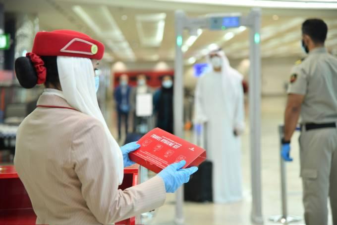 Emirates-kit-higiene
