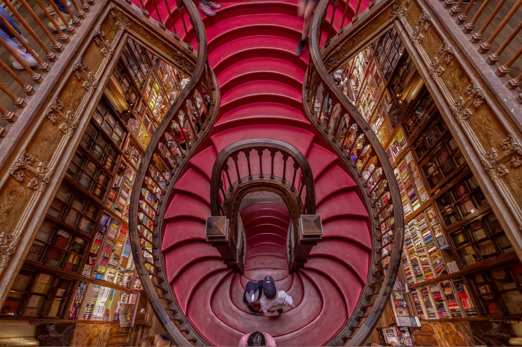 Portugal: Livraria Lello pagará mil euros aos melhores contos da quarentena  | Viagem e Turismo