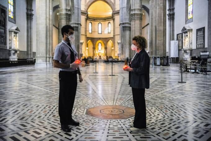 de Florença, sensores de distanciamento social