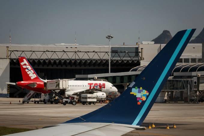 Aviões da Latam e Azul